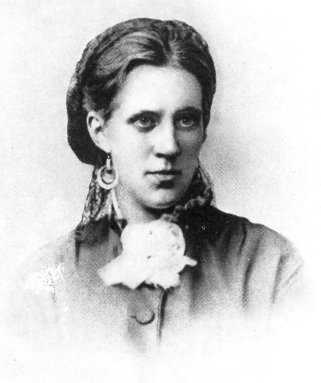 Anna_Dostoyevskaya_in_1871.jpg