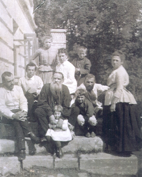 Family_of_L._Tolstoy.jpg