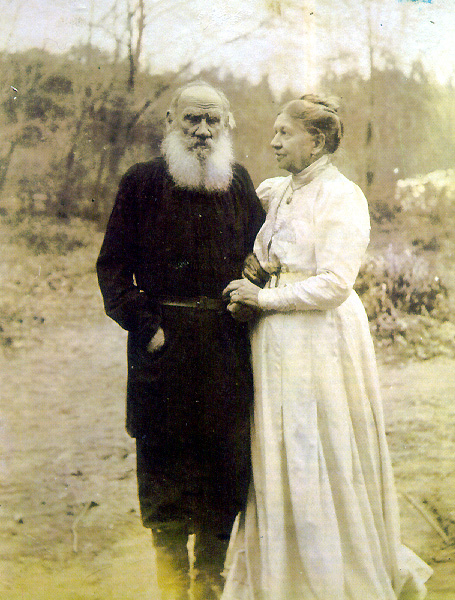 L.Tolstoy_and_S.Tolstaya.jpg